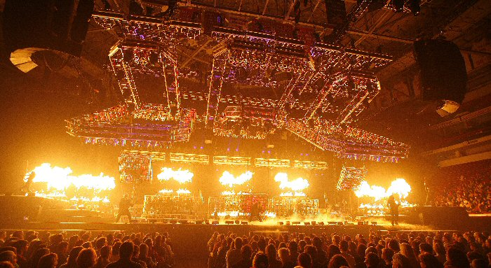 2009-12-13-trans-siberian-orchestra-01